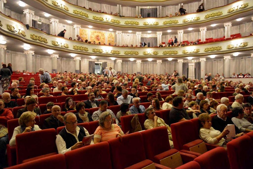 Homenaje al fundador de Amigos de la Ópera