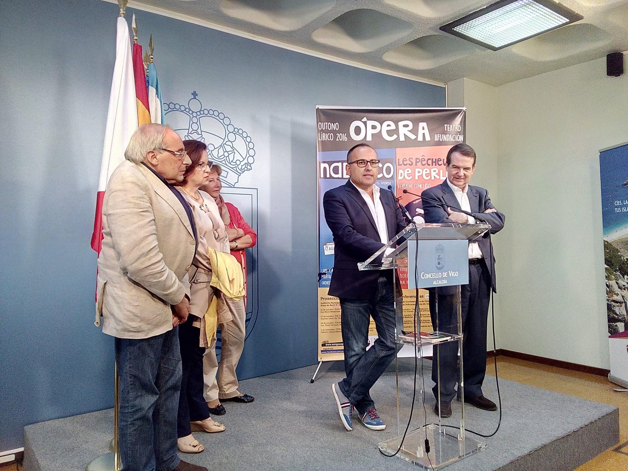 Presentación en Concello de Vigo de Otoño Lírico 2016