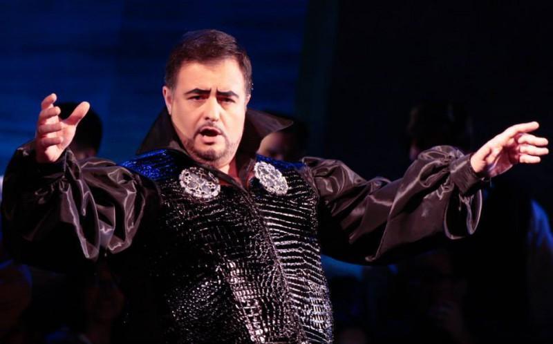 Platea Magazine Luis Cansino, protagonista de Rigoletto