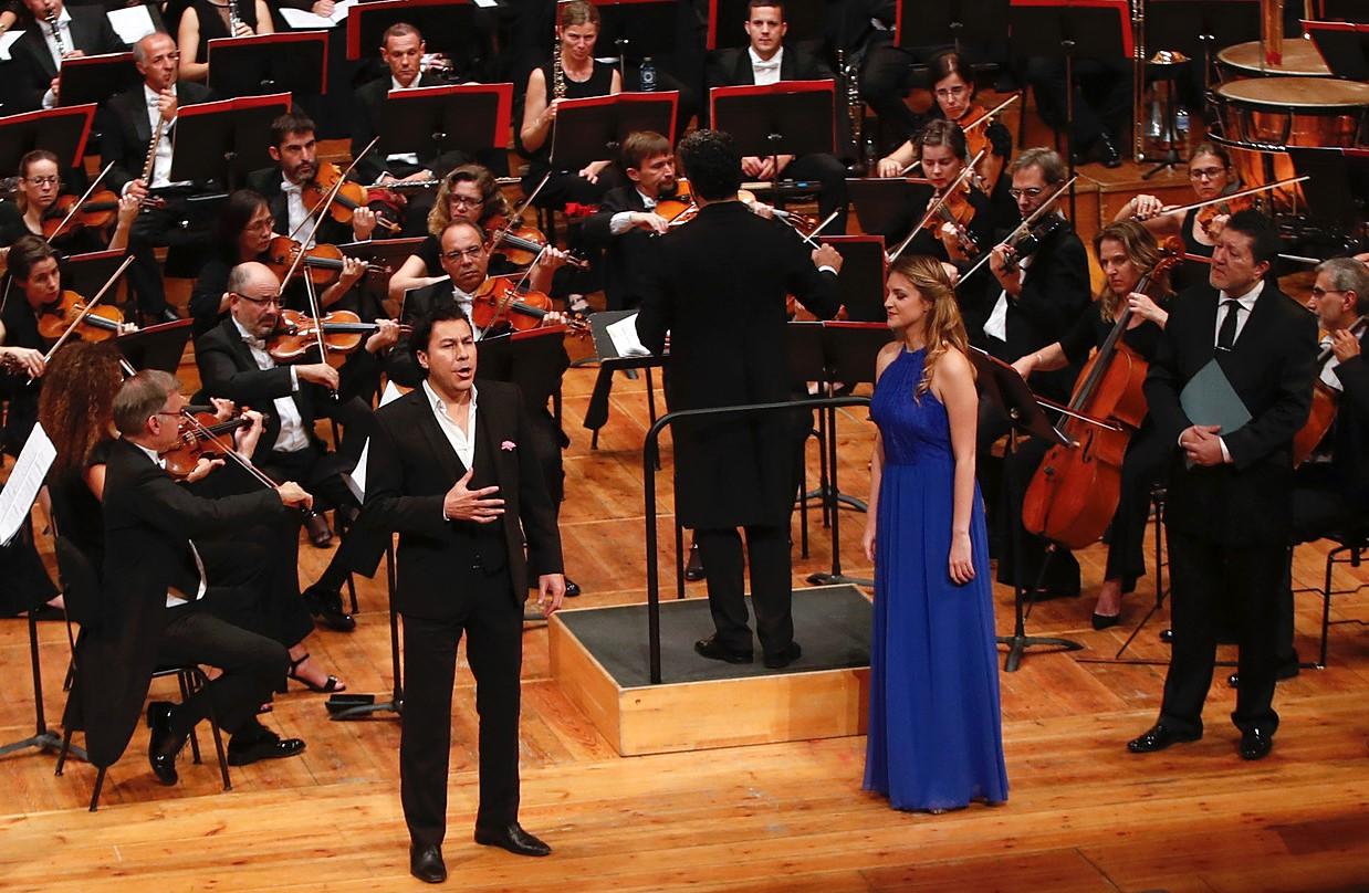 Opera World. Crítica Sonámbula